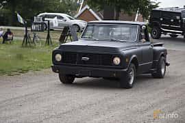 Front/Side  of Chevrolet C10 Pickup 6.6 V8 Hydra-Matic, 314ps, 1970 at Tisdagsträffarna Vikingatider v.25 / 2017