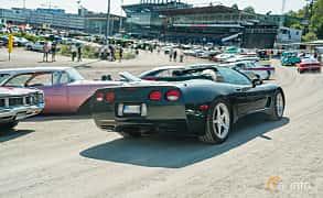 Bak/Sida av Chevrolet Corvette Convertible 5.7 V8 Automatic, 350ps, 2000 på Stockholm Vintage & Sports Car meet 2019
