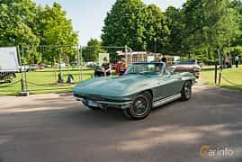 Front/Side  of Chevrolet Corvette Stingray Convertible 5.4 V8 Manual, 355ps, 1966 at Ronneby Nostalgia Festival 2019