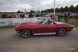 Side  of Chevrolet Corvette Stingray Convertible 5.4 V8 Manual, 305ps, 1965 at Tisdagsträffarna Vikingatider v.25 / 2017