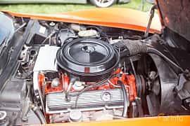 Engine compartment  of Chevrolet Corvette Stingray 5.7 V8 Automatic, 213ps, 1976 at Tjolöholm Classic Motor 2016