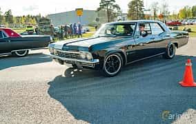 Front/Side  of Chevrolet Impala Sport Sedan 3.8 V6 Powerglide, 141ps, 1965 at Wheelers Cruising, Vetlanda 2019