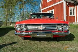 Front  of Chevrolet Impala Convertible 5.7 V8 Powerglide, 324ps, 1960 at Lissma Classic Car 2019 vecka 20