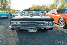 Front  of Chevrolet Impala Convertible 4.6 V8 Powerglide, 198ps, 1966 at Lissma Classic Car 2019 vecka 20