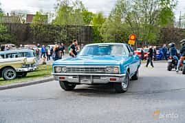Front/Side  of Chevrolet Impala Sedan 4.6 V8 Powerglide, 198ps, 1966 at Vårcruising Järna 2019