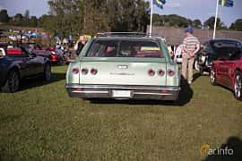 Bak av Chevrolet Impala 3-seat Station Wagon 5.4 V8 Powerglide, 254ps, 1965 på Bil & Mc-café vid Tykarpsgrottan v.33 (2017)