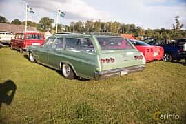Bak/Sida av Chevrolet Impala 3-seat Station Wagon 5.4 V8 Powerglide, 254ps, 1965 på Bil & Mc-café vid Tykarpsgrottan v.33 (2017)