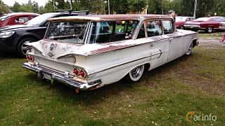 Back/Side of Chevrolet Parkwood 4.6 V8 Powerglide, 233ps, 1960 at Onsdagsträffar på Gammlia Umeå v.32 / 2017