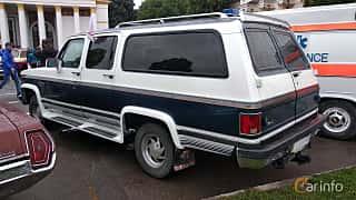 Back/Side of Chevrolet Suburban 4-door 1991 at Old Car Land no.2 2018