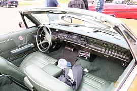 Interior of Chrysler Three Hundred Convertible 7.2 V8 TorqueFlite, 355ps, 1969 at Kungälvs Kulturhistoriska Fordonsvänner 2018 v.33