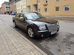 Front/Side  of Chrysler 300C 5.7 V8 Automatic, 340ps, 2005