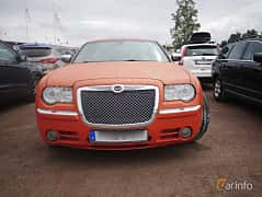 Front  of Chrysler 300C Touring 3.0 V6 CRD Automatic, 218ps, 2007 at Classic Car Week Rättvik 2016