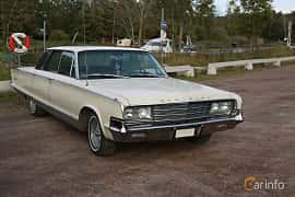 Front/Side  of Chrysler New Yorker 4-door Hardtop 6.8 V8 TorqueFlite, 345ps, 1965 at Kungälvs Kulturhistoriska Fordonsvänner  2019 Torsdag vecka 35