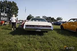 Bak av Chrysler New Yorker Brougham 2-door Hardtop 7.2 V8 TorqueFlite, 233ps, 1974 på Tisdagsträffarna Vikingatider 2019 vecka 26