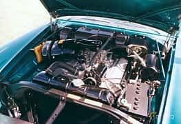 Engine compartment of Chrysler New Yorker Convertible 6.4 V8 Automatic, 349ps, 1958