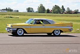 Side  of Chrysler New Yorker Convertible 6.4 V8 TorqueFlite, 330ps, 1957 at Lidköping Power Big Meet  2019