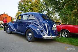 Back/Side of Chrysler Royal 4-door Sedan 4.0 Manual, 96ps, 1938 at Onsdagsträffar på Gammlia Umeå 2019 vecka 35