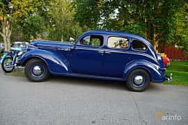 Side  of Chrysler Royal 4-door Sedan 4.0 Manual, 96ps, 1938 at Onsdagsträffar på Gammlia Umeå 2019 vecka 35