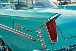 Close-up of Chrysler Windsor 2-door Hardtop 6.3 V8 Manual, 309ps, 1959 at Lissma Classic Car 2019 vecka 20