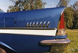 Närbild av Chrysler New Yorker 2-door Hardtop 6.4 V8 Automatic, 330ps, 1957
