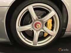 Närbild av Porsche Carrera GT 5.7 V10 Manual, 612ps, 2003