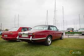 Back/Side of Daimler Sovereign Coupé 4.2 Manual, 186ps, 1975 at Veteranbilsträff i Vikens hamn  2019 Maj