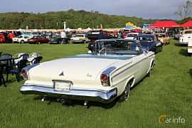 Bak/Sida av Dodge Custom 880 Convertible 6.3 V8 TorqueFlite, 309ps, 1963 på Tjolöholm Classic Motor 2019