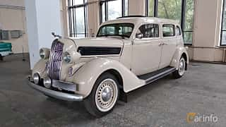 Front/Side  of Dodge Beauty Winner 4-door Touring Sedan 3.6 Manual, 87ps, 1936 at Old Car Land no.2 2018