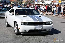 Fram/Sida av Dodge Challenger 6.4 V8 HEMI Automatic, 476ps, 2012 på Cruising Lysekil 2019