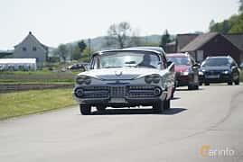 Fram/Sida av Dodge Coronet Hardtop Coupé 6.3 V8 Automatic, 324ps, 1959 på Tjolöholm Classic Motor 2017