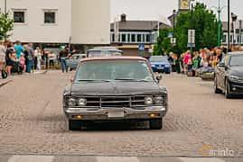 Front  of Dodge Polara Sedan 6.3 V8 TorqueFlite, 274ps, 1967 at Nässjö Cruising 2019