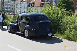 Back/Side of Dodge Six 4-door Touring Sedan 3.6 Manual, 87ps, 1937 at Cruising Lysekil 2019