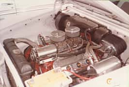 Engine compartment of Chrysler New Yorker 2-door Hardtop 6.4 V8 Automatic, 330ps, 1957