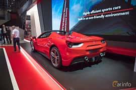 Bak/Sida av Ferrari 488 GTS 3.9 V8 DCT, 670ps, 2017 på Geneva Motor Show 2017