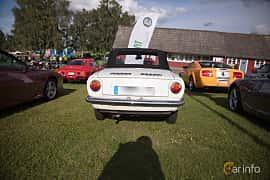 Bak av Fiat 850 Spider 0.84 Manual, 49ps, 1965 på Bil & Mc-café vid Tykarpsgrottan v.33 (2017)