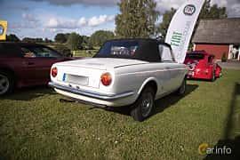 Bak/Sida av Fiat 850 Spider 0.84 Manual, 49ps, 1965 på Bil & Mc-café vid Tykarpsgrottan v.33 (2017)