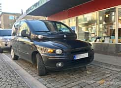 Front/Side  of Fiat Multipla 1.6 Manual, 103ps, 2002