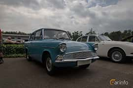 Front/Side  of Ford Anglia 1.0 Manual, 39ps, 1962 at Joe's garage 2019´s stora Jaugurevent