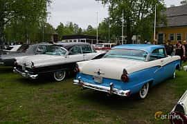 Bak/Sida av Ford Customline Victoria 4.8 V8 Automatic, 205ps, 1956 på Onsdagsträffar på Gammlia Umeå 2019 vecka 23