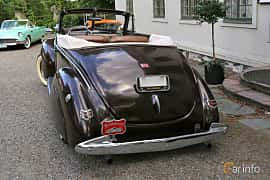 Back/Side of Ford Deluxe Convertible Coupé 3.6 V8 Manual, 86ps, 1940 at Rådaträffen, Mölnlycke 2019 Tisdag vecka 29