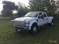 Front/Side of Ford F-450 Crew Cab 6.4 V8 4x4 Automatic, 355ps, 2009