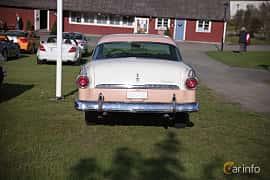 Bak av Ford Fairlane Crown Victoria 4.5 V8 Automatic, 165ps, 1955 på Bil & Mc-café vid Tykarpsgrottan v.33 (2017)