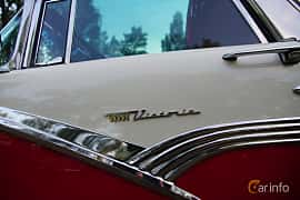 Close-up of Ford Fairlane Crown Victoria Skyliner 4.8 V8 Manual, 203ps, 1956 at Onsdagsträffar på Gammlia v.33 / 2018