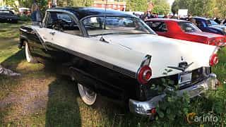 Back/Side of Ford Fairlane Victoria 4.8 V8 Automatic, 205ps, 1956 at Onsdagsträffar på Gammlia Umeå 2019 vecka 28