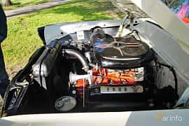 Engine compartment  of Ford Fairlane Victoria 4.5 V8 Manual, 165ps, 1955 at Onsdagsträffar på Gammlia Umeå 2019 vecka 28