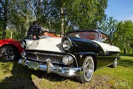 Front/Side  of Ford Fairlane Victoria 4.5 V8 Manual, 165ps, 1955 at Onsdagsträffar på Gammlia Umeå 2019 vecka 28