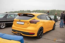 Back/Side of Ford Focus ST 2.0 EcoBoost Manual, 250ps, 2015 at Lucys motorfest 2019