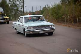 Fram/Sida av Ford Galaxie 500/XL Sports Hardtop 5.8 V8 Automatic, 223ps, 1963 på Wheels & Wings 2018