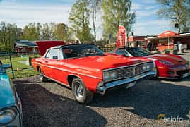 Front/Side  of Ford Galaxie 500 Convertible 4.9 V8 Automatic, 213ps, 1968 at Lissma Classic Car 2019 vecka 20