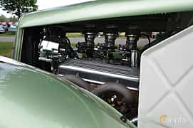 Engine compartment  of Ford Model 48 5-window Coupé 3.6 V8 Manual, 86ps, 1935 at Hässleholm Power Start of Summer Meet 2016